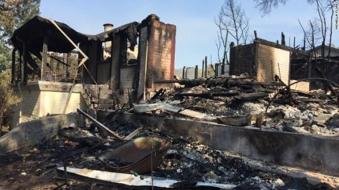 Женщина, пережившая стрельбу в Лас-Вегасе, потеряла дом в пожарах в Калифорнии