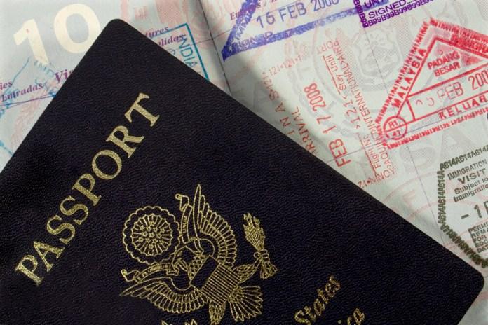 В 9 штатах будут требовать паспорта для внутренних рейсов в США