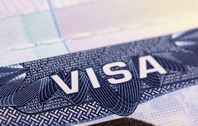 Трамп ужесточает продление визы для иностранных рабочих