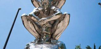 blinded_man_statue_1.jpg