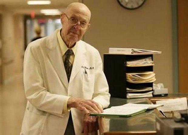 03-worlds-oldest-doctor