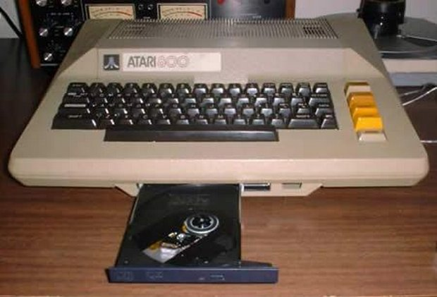 14-pc-cabinet-Atari-800-ITX-by-Andy-Hutson