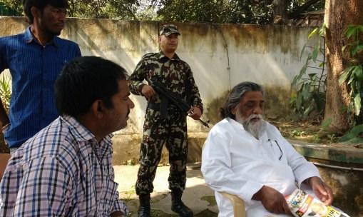 नवल किशोर कुमार (बाएं), शिबू सोरेन के साथ