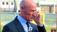 """Il patron della Nocerina, Paolo Maiorino, ha rilasciato un comunicato riguardante la passata stagione e il futuro della Nocerina calcio. Questo il comunicato: """"Al termine della stagione sportiva è come […]"""