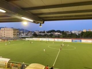 Dalla pagina ufficiale di facebook della Nocerina calcio, di seguito il video dell'amichevole disputatasi ieri sera tra Angri e Nocerina terminata col risultato di 0-0.