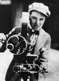 charles-chaplin-with-his-bell-and-howell-camera