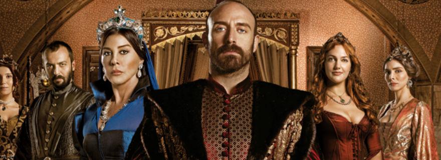 """Los dos actores de """"El Sultán"""" que se lucen en la nueva teleserie turca de TVN"""