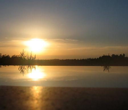 Bagno in piscina al tramonto  Filippo Foto Blog