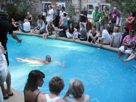 Italians, Chianti, a Pool and Gigi