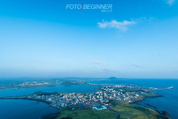 沒有超廣角鏡,便不能在山頭拍下如此廣闊的環境了! (Nikon D810 / 16-35 / f8)