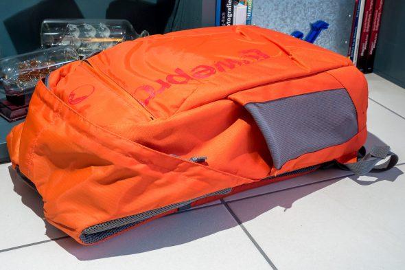 """Handgepäck und Fotorucksack in einem. Das MacBook Pro 13"""" hat auch Platz"""