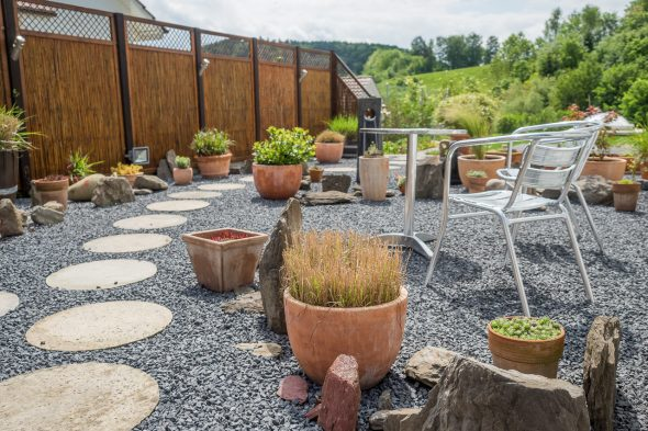 Steingarten und Gartensitzplatz Gestalten