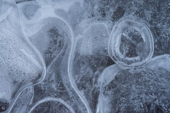 detail van vormen en lijnen in IJsland