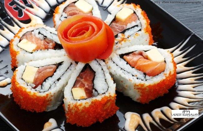 maru-dining-salmon-sushi