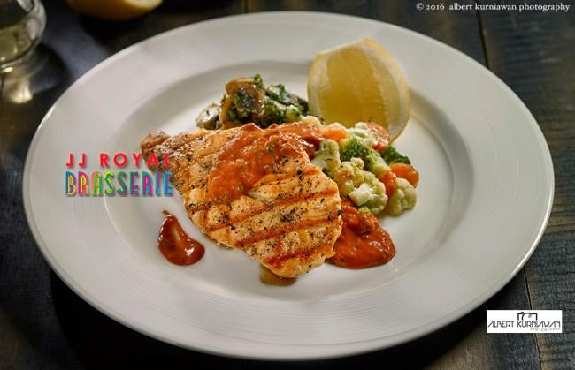 akp-JJRoyal-Brasserie-grill-norwegian-salmon
