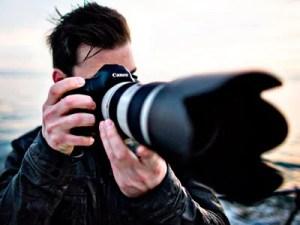 fotógrafos profesionales trabajando