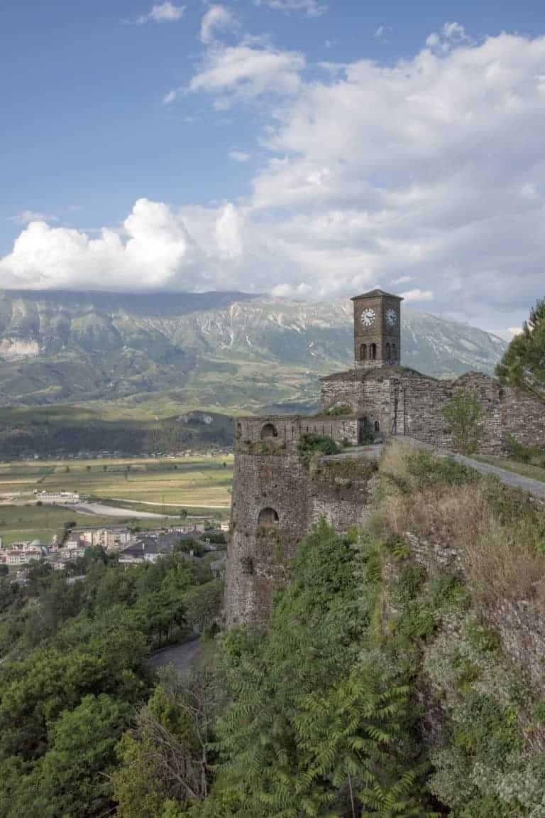 Kerk met uitzicht op het dal - fotoreis Albanië
