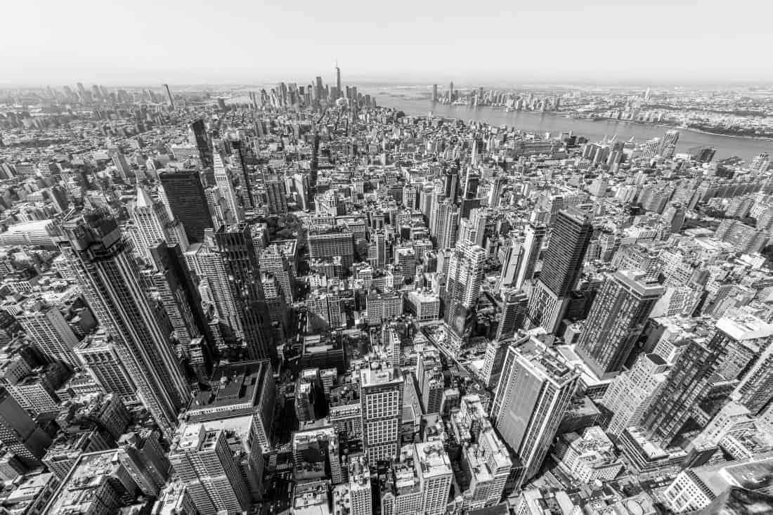 Fotoreis New York stadsgezicht vanaf Empire State Building zwart-wit