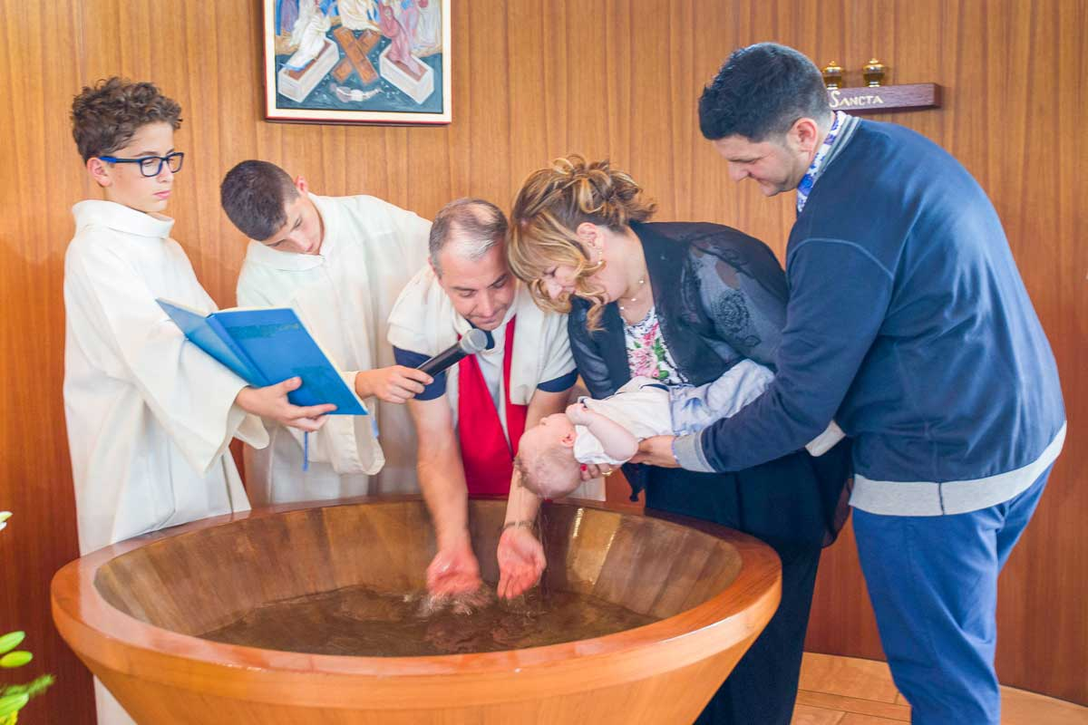 servizio fotografico battesimo bari rito cristiano