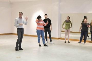 Taller de Movimiento con Javier Fernández Martín, Químico, investigador, bailarín y coreógrafo