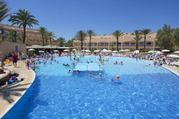Sirenis piscina Seaview Country Club