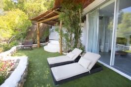 Tumbonas en Terraza de Habitación