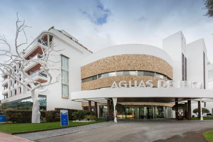Fachada Hotel Aguas de Ibiza