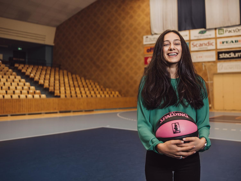 Reportagefotografering i Linkping Sahar basket sport