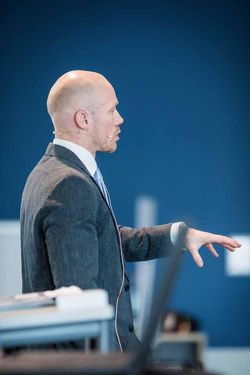 taler Vejle ved konference og housewarming
