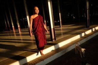 Mnich, Mandalay Hill