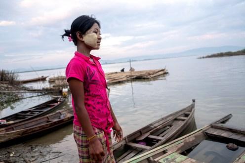 Dívka v přístavu, Mandalaj