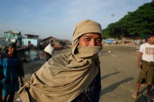 V přístavu, Mandalaj