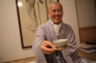 Čaj je všude a neustále - byť ho Korejci mimo kláštery skoro vůbec nepijí...