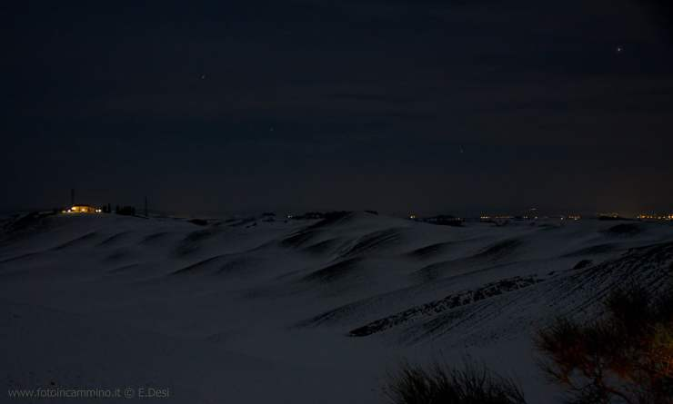 Crete Senesi notturno neve