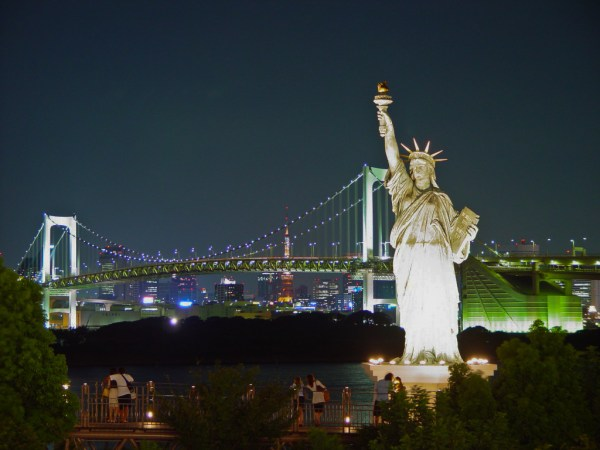 new york low cost shopping locali hotel