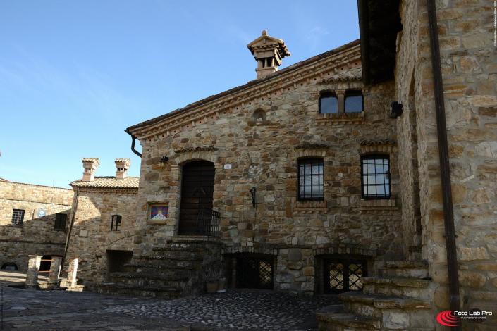 Particolare Borgo di Votigno di Canossa