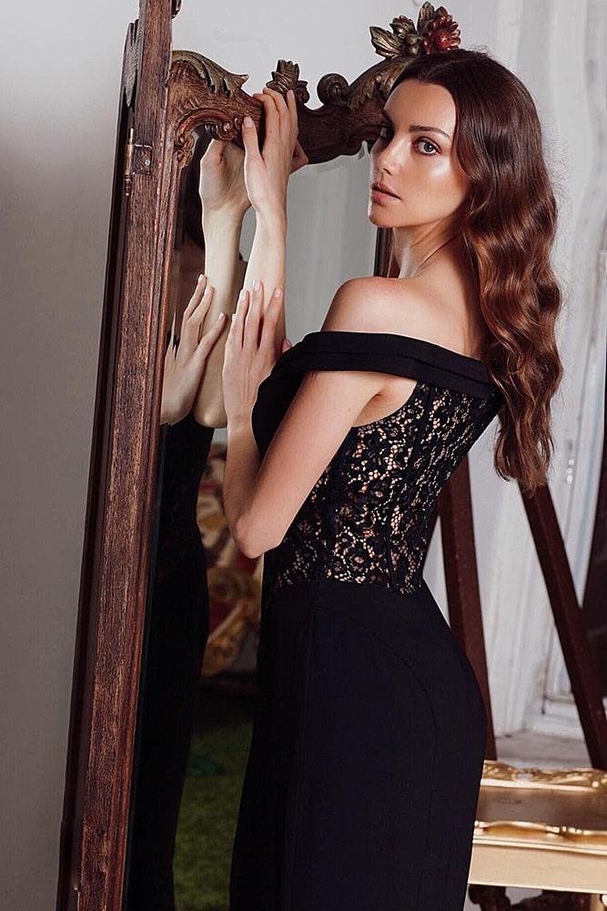 коктейльные платья черное платье с кружевными вставками