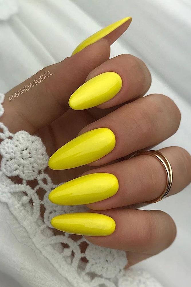 модный маникюр желтый