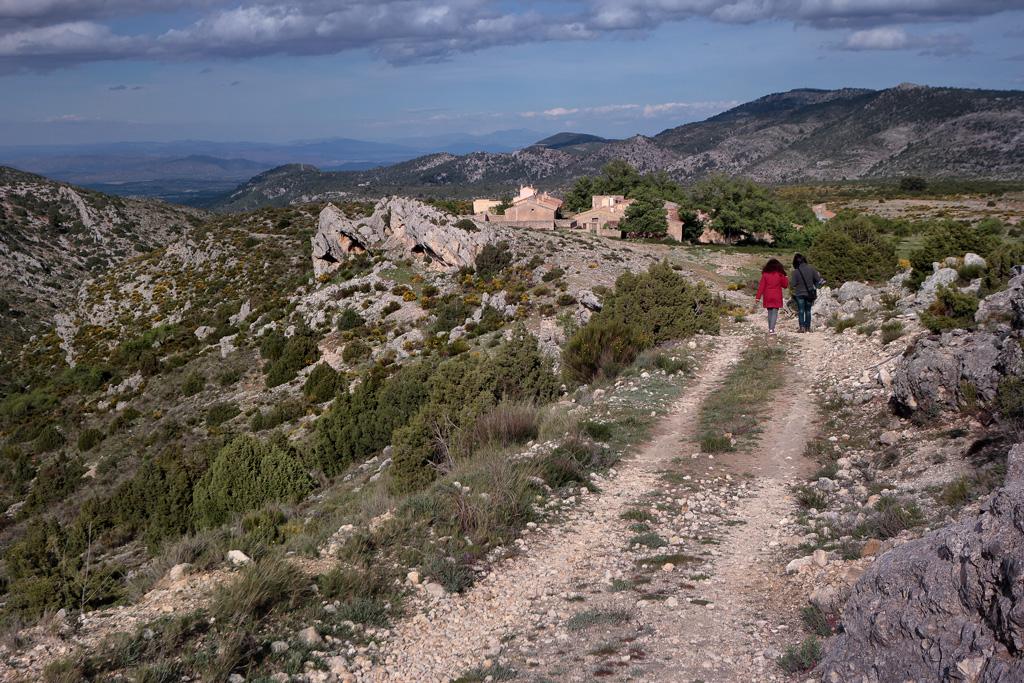 Vista al pueblo desde uno de los senderos