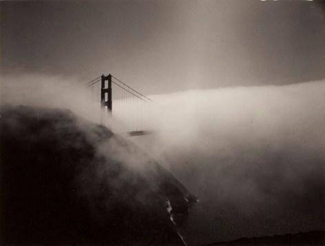 Minor White Golden Gate Bridge, 1959 stampa alla gelatina d'argento, 9 x 12 cm Reproduced with permission of the Minor White Archive, Princeton University Art Museum © Trustees of Princeton University, courtesy Fondazione Cassa di Risparmio di Modena