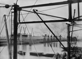 E.O. Hoppé King George V's Docks, London, England, 1934 © 2018 Curatorial Assistance, Inc. / E.O. Hoppé Estate Collection