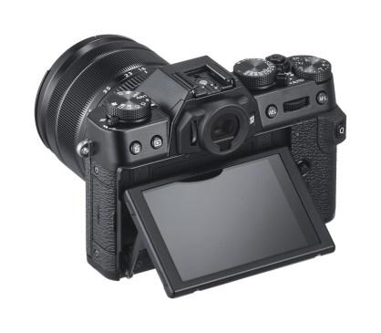FujiFilm X-T30 Black - schermo orientabile in due direzioni