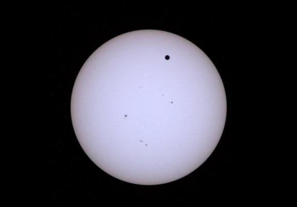 Prelet Venuše, tento pohľad sa naskytne len raz za 243 rokov (NASA)