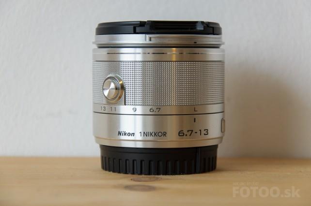 Objektív Nikkor 6.7-13mm detail.
