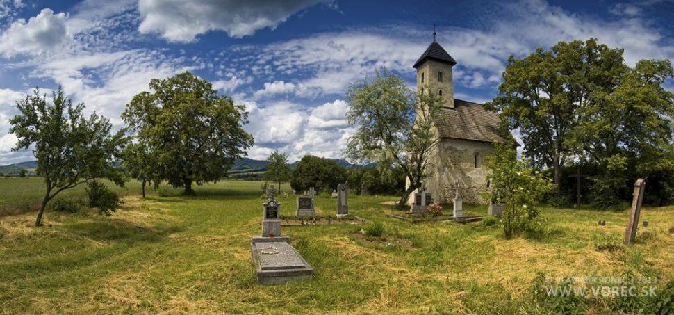 Kostol sťatia sv. Jána Krstiteľa v Pominovci (foto: Vladimír Vorec, www.vorec.sk)