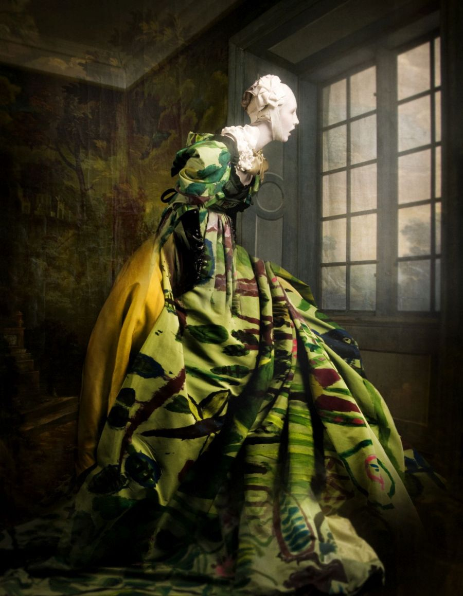 Cooper & Gorfer: Watching Vivienne, 2010, Archivpigmentdruck auf Papier, 160 x 120 cm, Kleid: Vivienne Westwood. Courtesy of the artists
