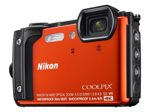 Nikon Coolpix W300 Duyuruldu : Darbeye Dayanıklı, Su ve Toz Geçirmez Kompakt