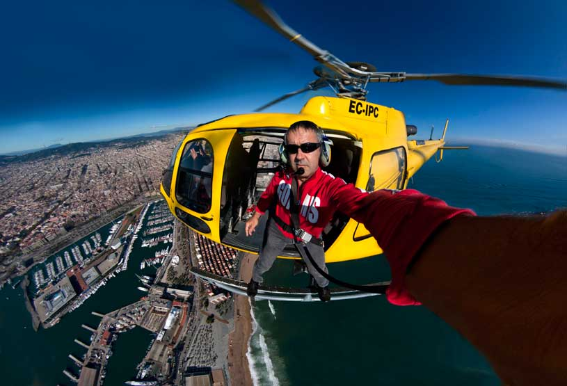 aerial-selfie-helicopter-retrato-autoretrato