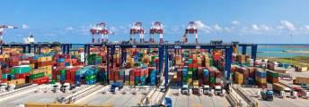 terminal-puerto-barcelona-contenedor