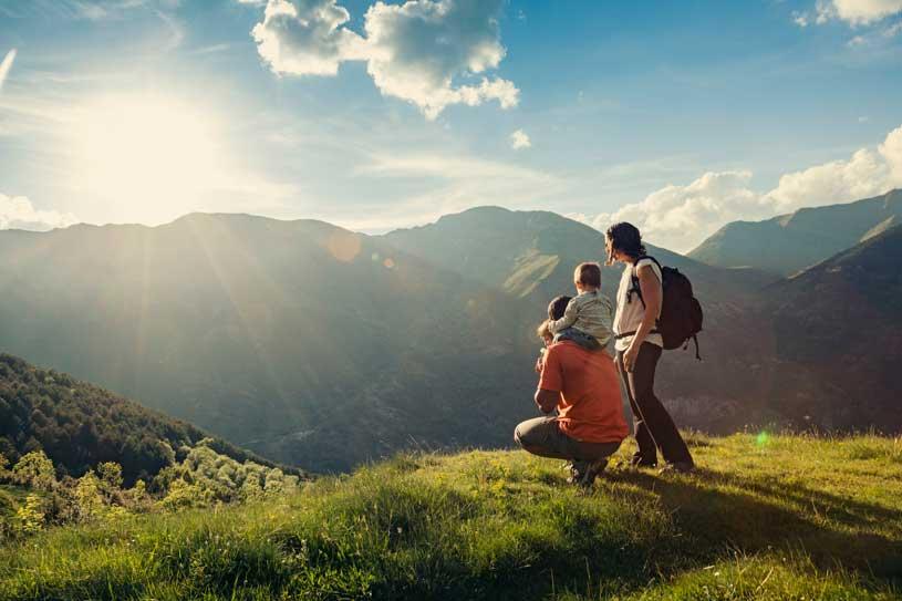 ribagorça-familia-vacaciones-paisaje-montaña